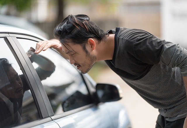 Top Reasons For Hiring Professional Automotive Locksmith Services